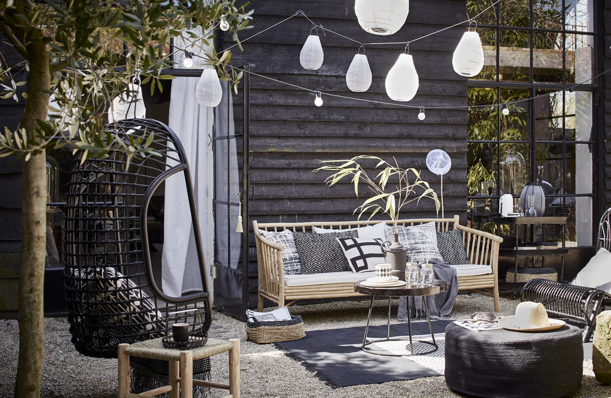 buitenhoek-tuin-zwart-wit