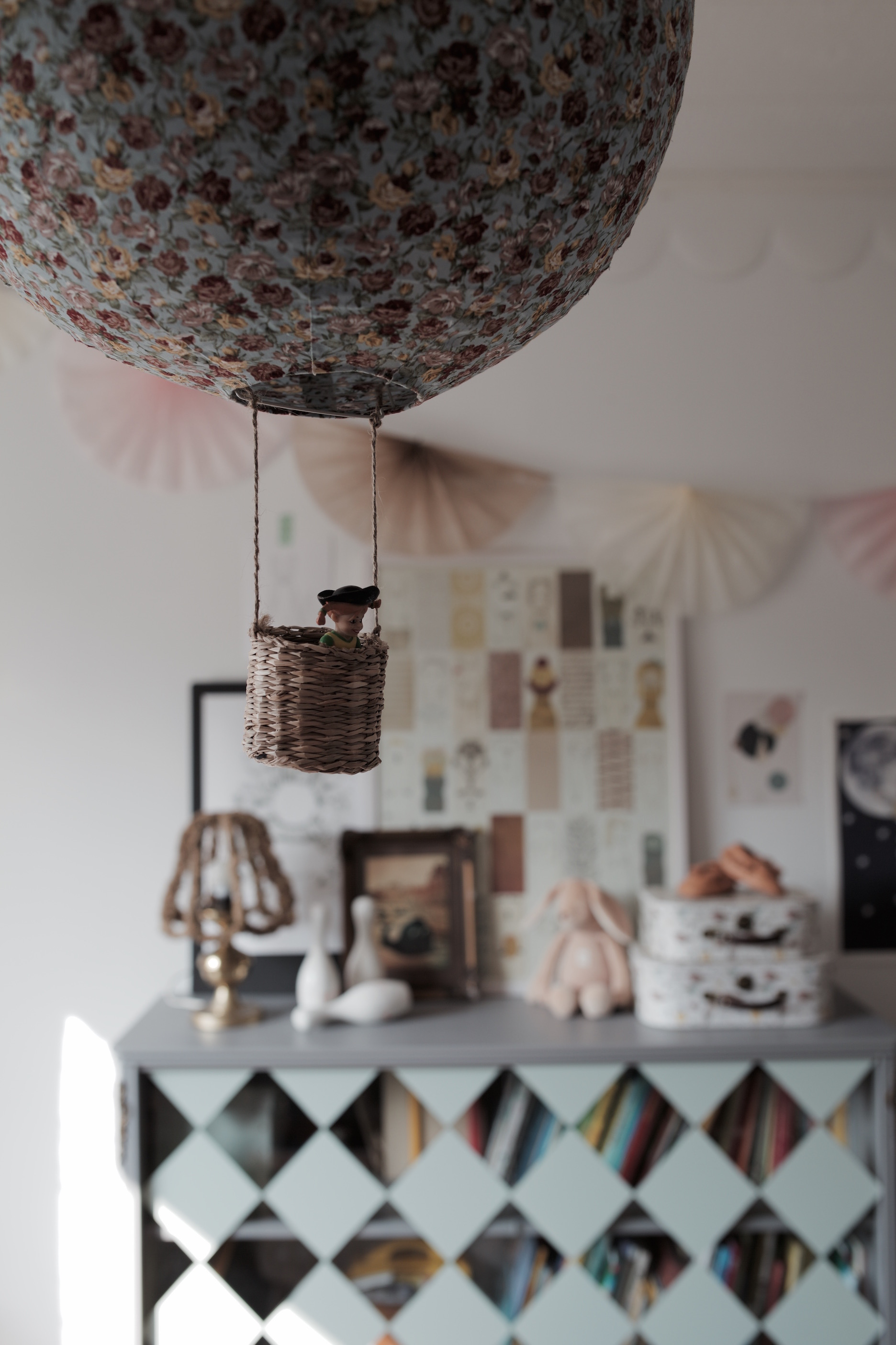 studioelwa_diy_luftballong_barnrum lampa pyssel gör en egen lampa