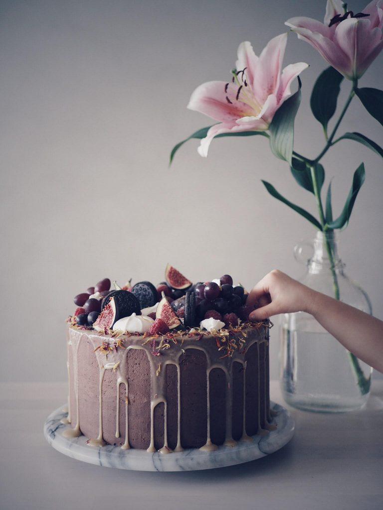 älskar att baka chokladtårta