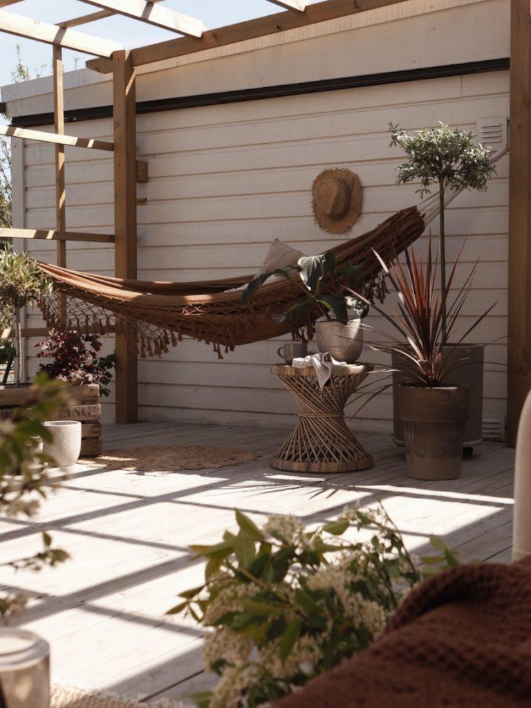Altan pergola hängmatta granit altan altaninspo altanen trädgård inspiration