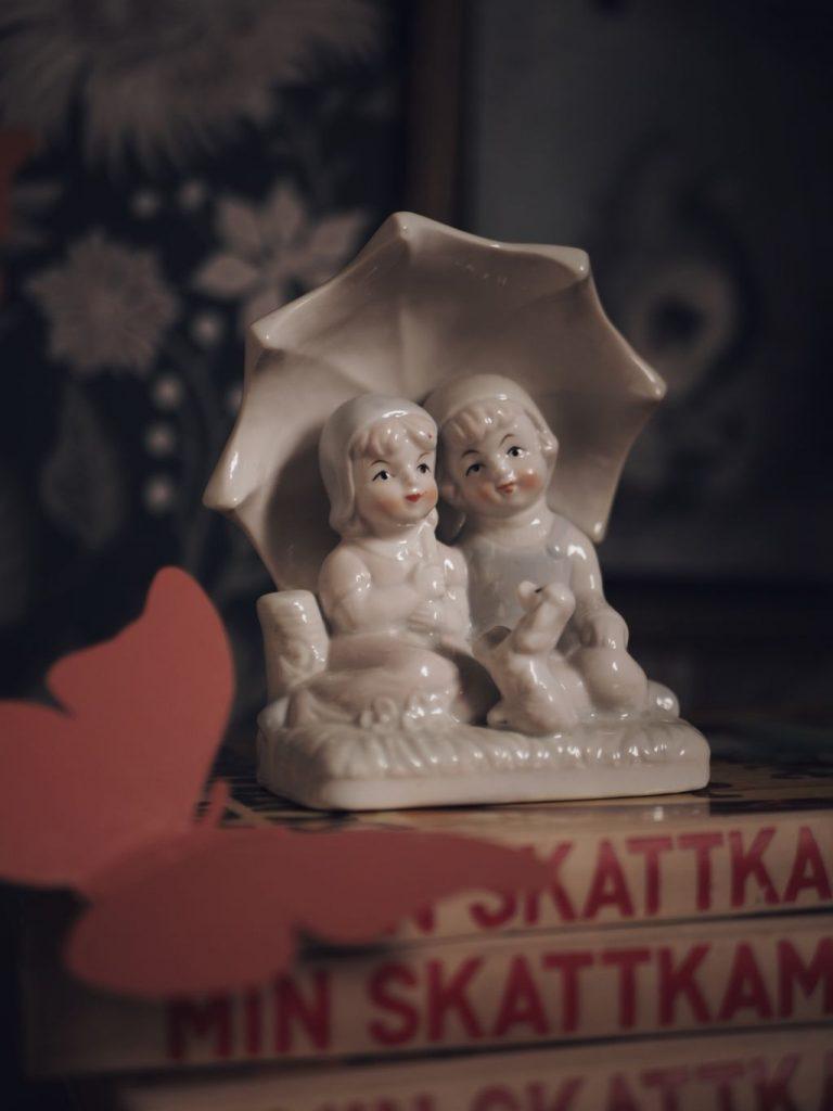 vintage second hand porslinsfigur styling barnrum julkalender hållbar klimatsmart tradera