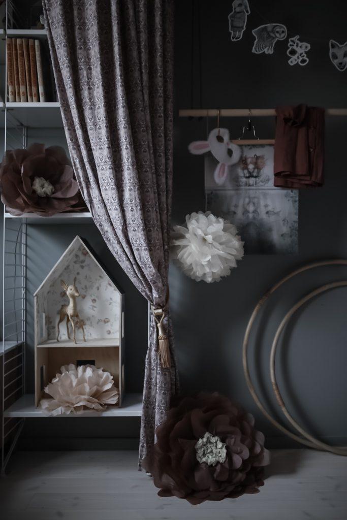 stylist diy pyssel så gör du stora blommor av silkespapper pompoms barnrum inspiration